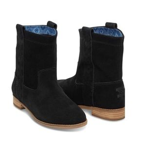 TOMS ~ laurel black leather ankle boots
